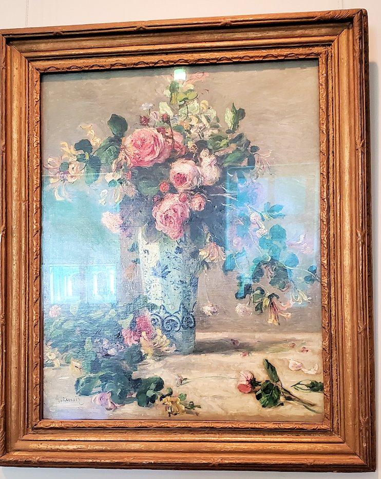 『デルフト焼きの花瓶の薔薇とジャスミン』 (Roses and Jasmine in a Delft Vase) by ピエール・オーギュスト・ルノワール