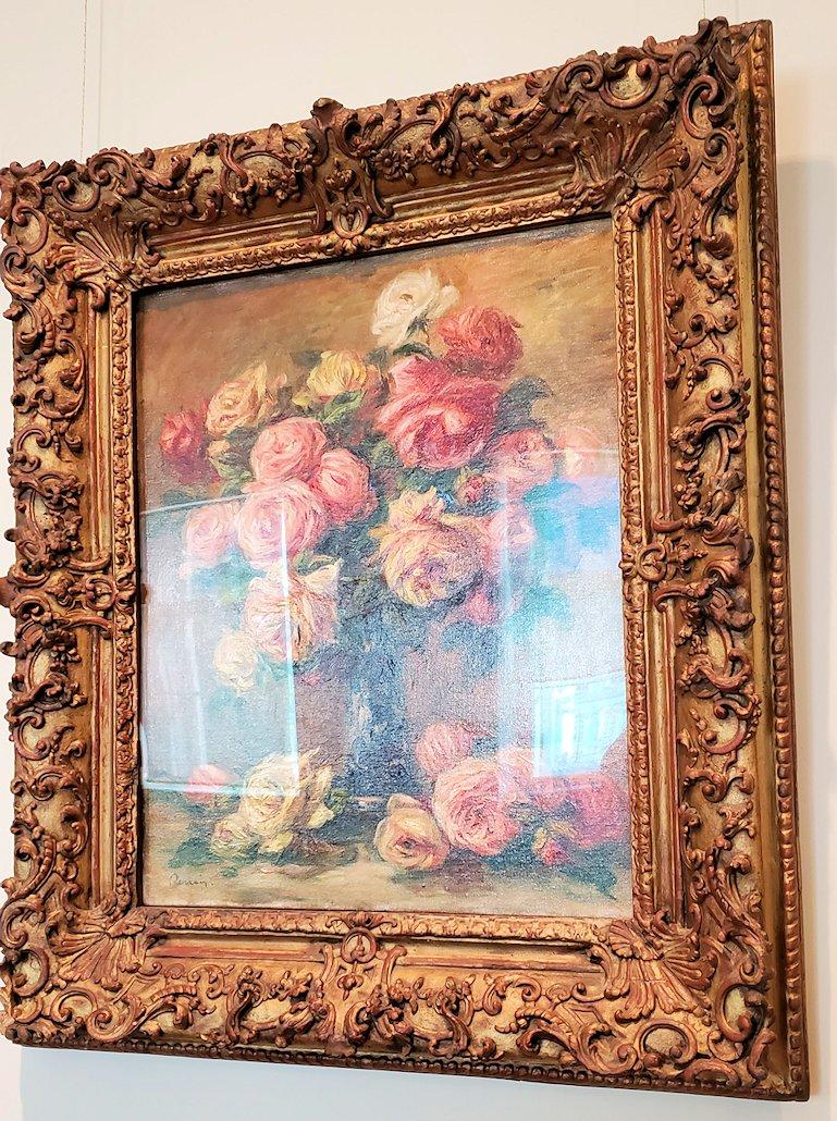 『花瓶の薔薇』 (Roses in a Vase) by ピエール・オーギュスト・ルノワール