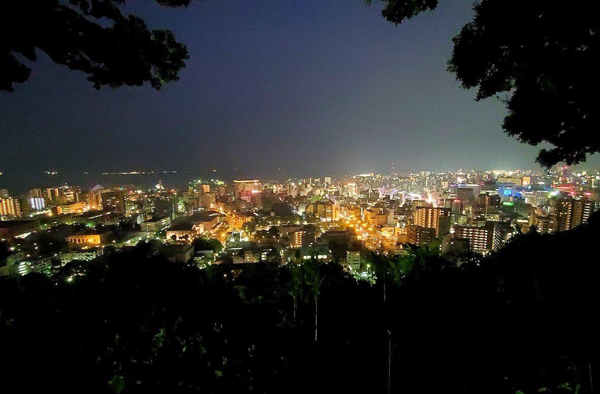 城山展望台から見える鹿児島市内の夜景-2