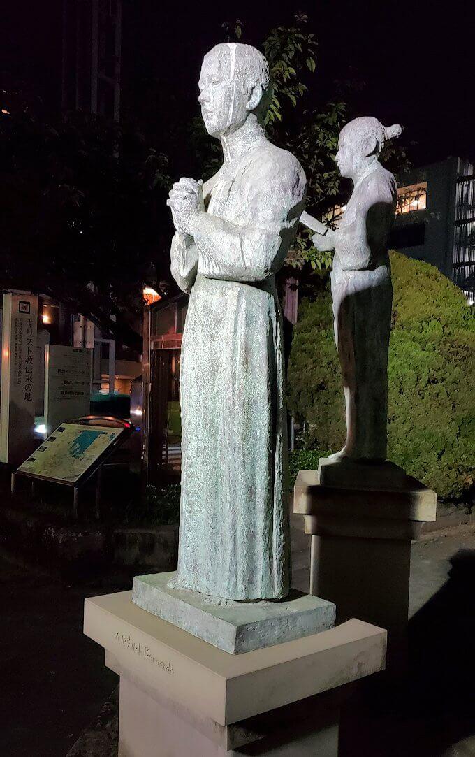 鹿児島市内のザビエル公園にある像のベルナルド像-1