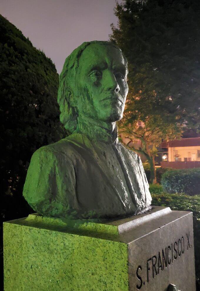 鹿児島市内のザビエル公園にあるザビエルの胸像-2