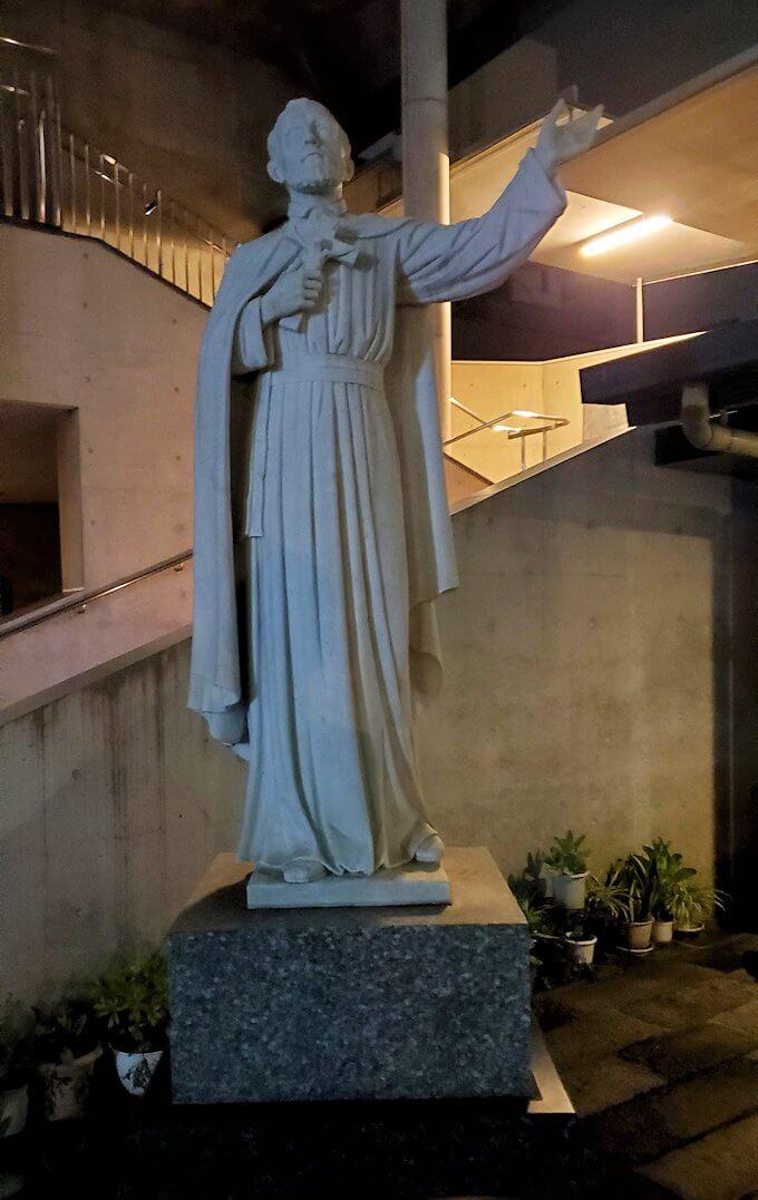 鹿児島市内のザビエル公園の向かいにある教会にあったザビエル像