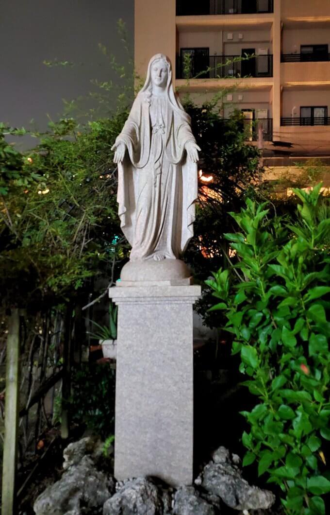 鹿児島市内のザビエル公園の向かいにある教会にあったマリア像
