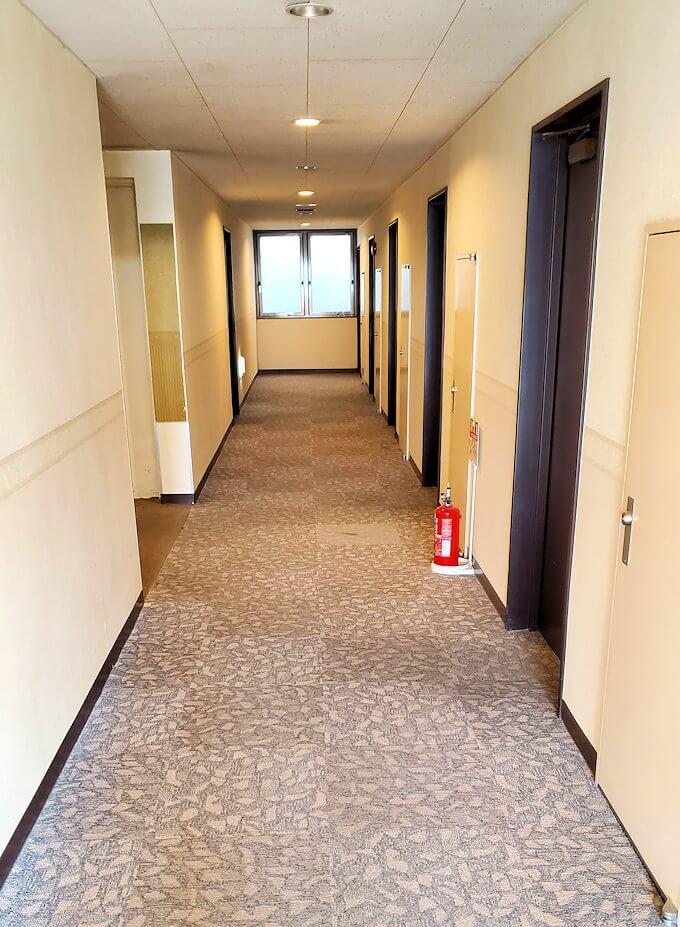 南州館ホテルの廊下