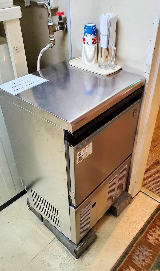 南州館ホテルに置かれていた、製氷機