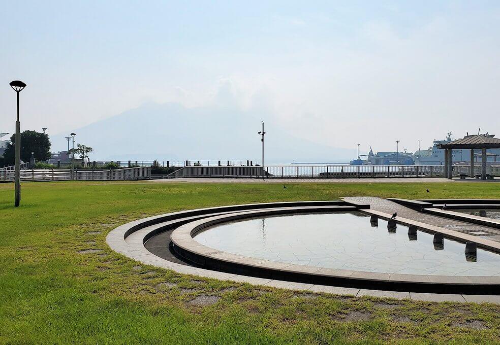 桜島フェリー乗り場近くにある公園