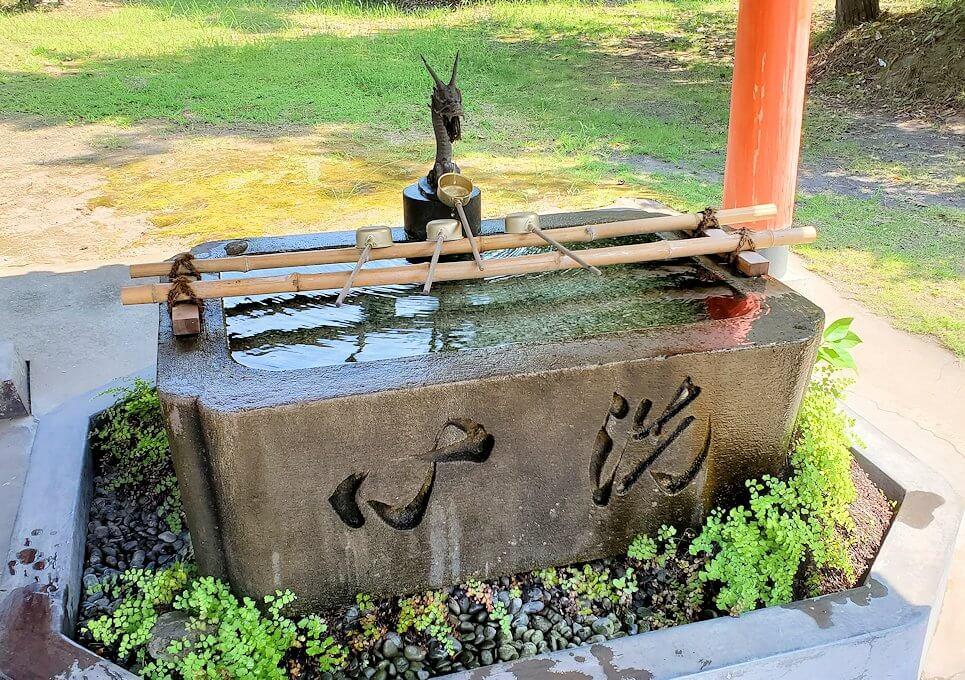 桜島の月讀神社の手洗い場