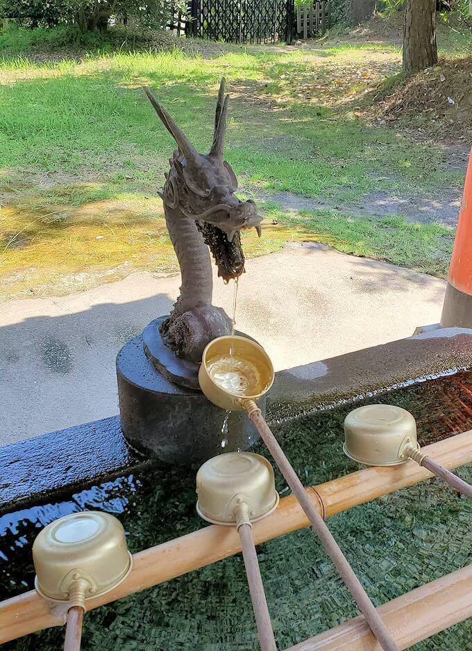 桜島の月讀神社の手洗い場-1