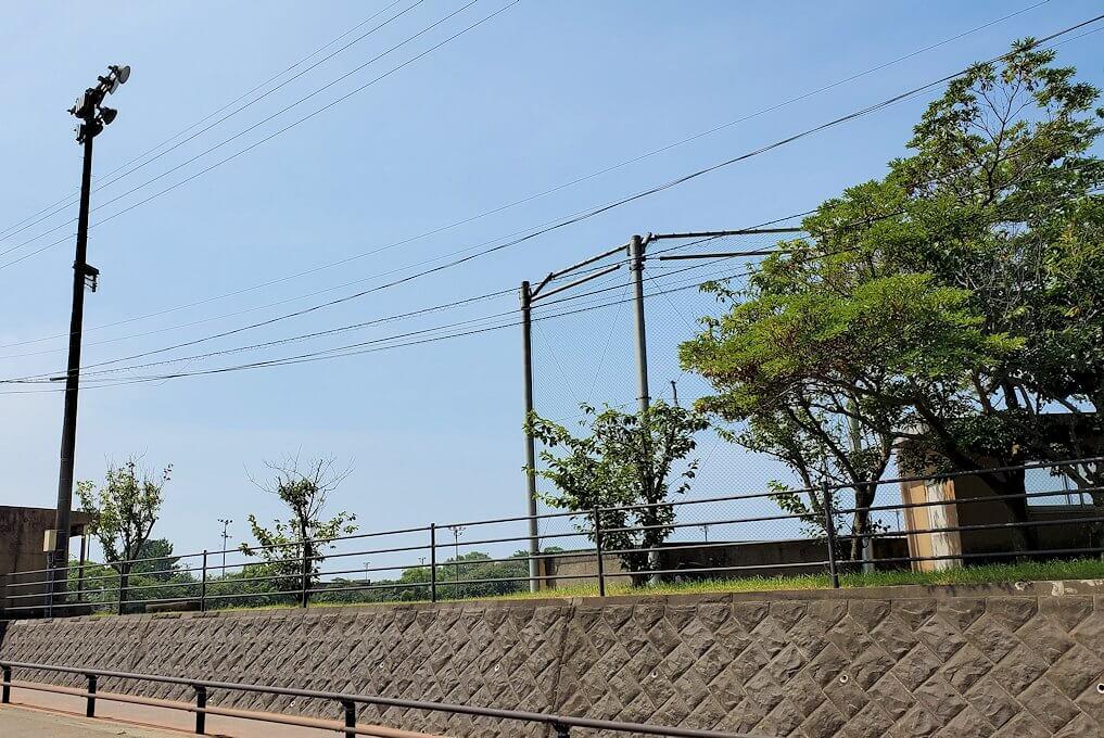 桜島ビジターセンターに向かって歩く途中にあった野球のグラウンド-1