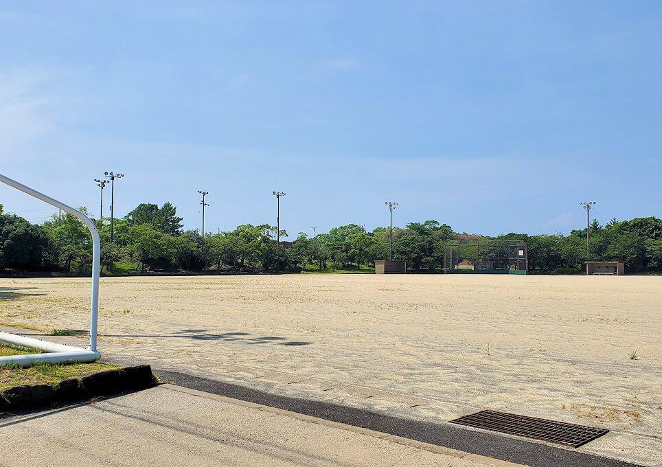 桜島ビジターセンターに向かって歩く途中にあった野球のグラウンドの様子