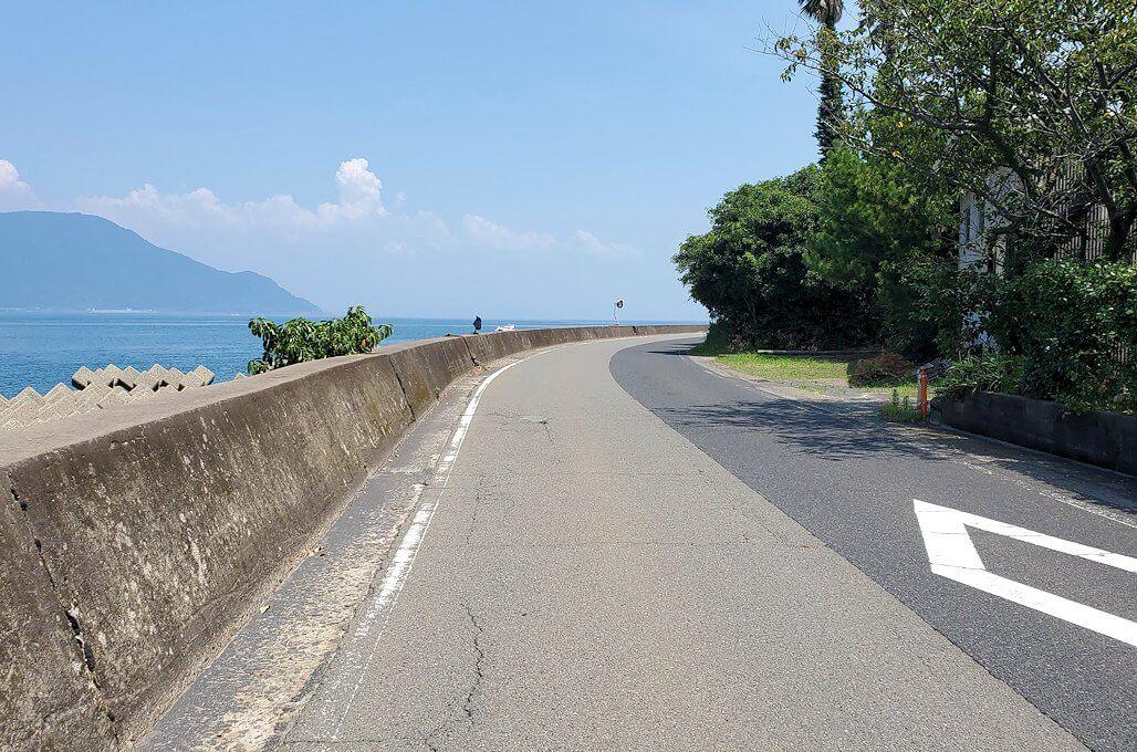 桜島の道路をサイクリング