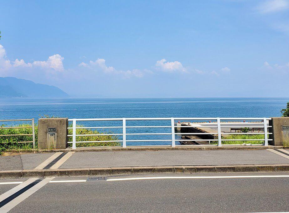 桜島でサイクリング途中に見える海が開ける景色
