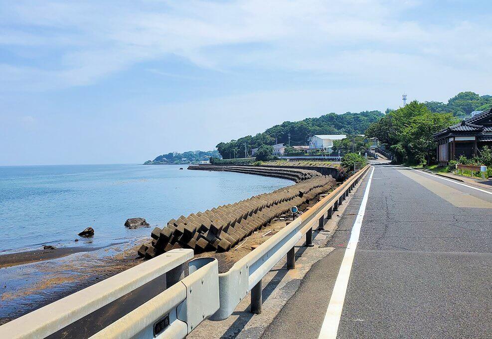 桜島でサイクリング途中に見える海が開ける景色-1