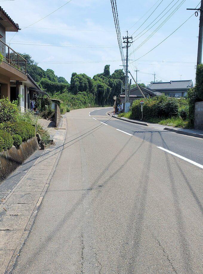 桜島のサイクリングで途中から坂道に差し掛かる