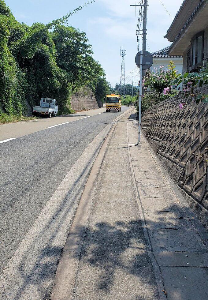 桜島のサイクリングで県道26号線を進む-1
