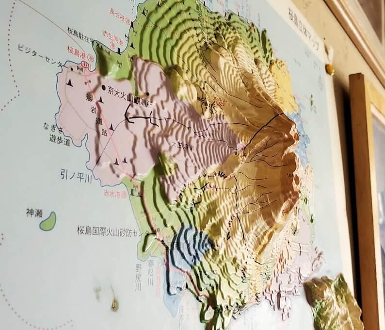桜島黒神町にあった「椿の里」の店内に飾ってあった桜島の立体図