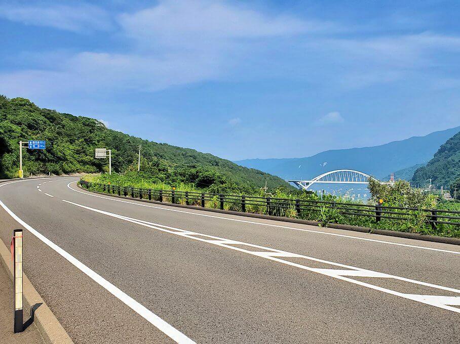 桜島サイクリングの分岐点で垂水側に進む