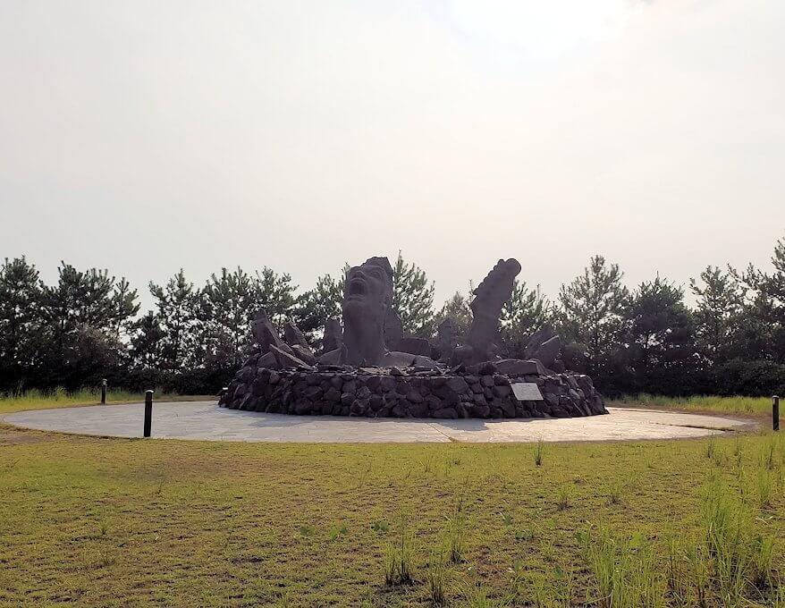 桜島にある長渕剛コンサート記念の石像がある公園