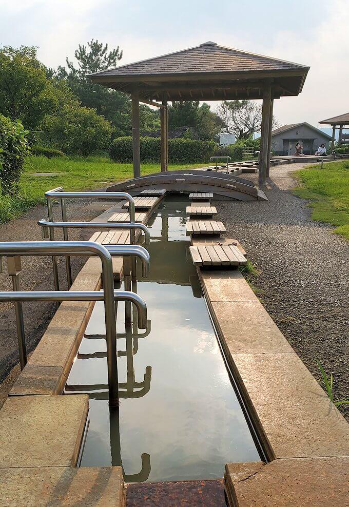 桜島溶岩なぎさ公園にある足湯