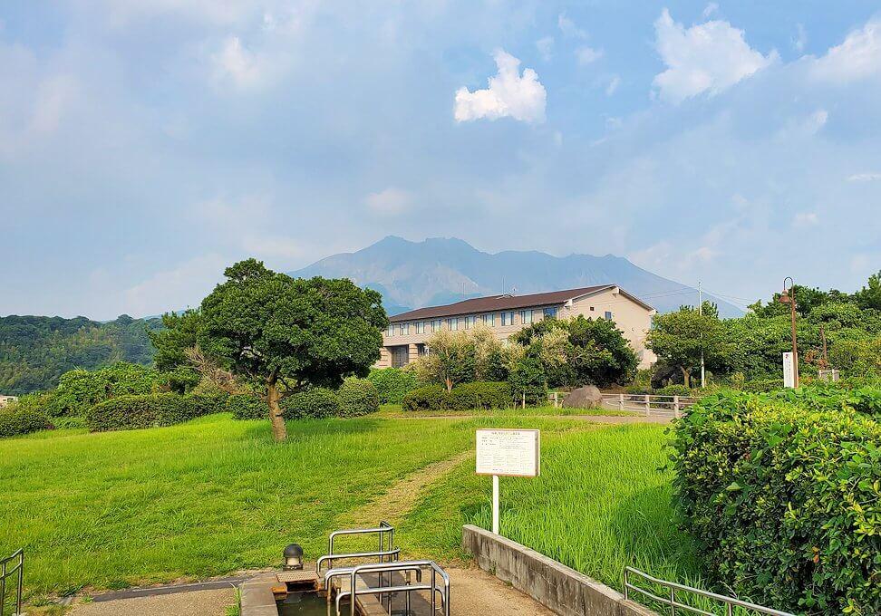 桜島溶岩なぎさ公園から眺める桜島