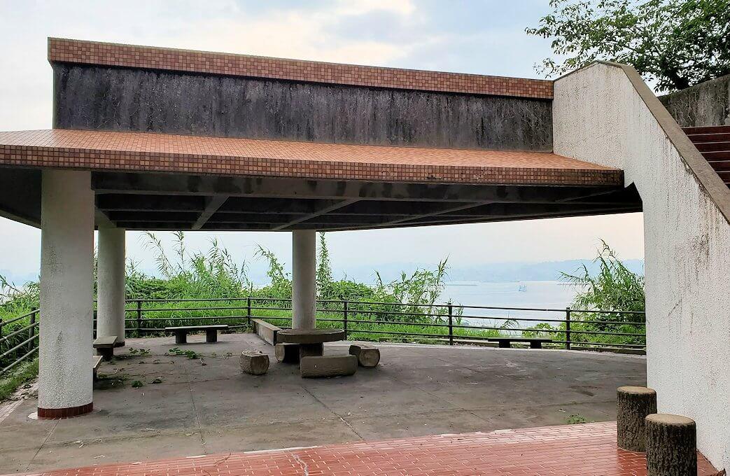 桜島自然恐竜公園にある展望台