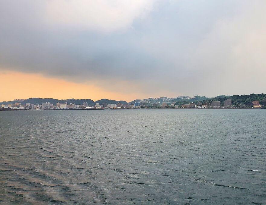 鹿児島港へ向かうフェリーの景観-1
