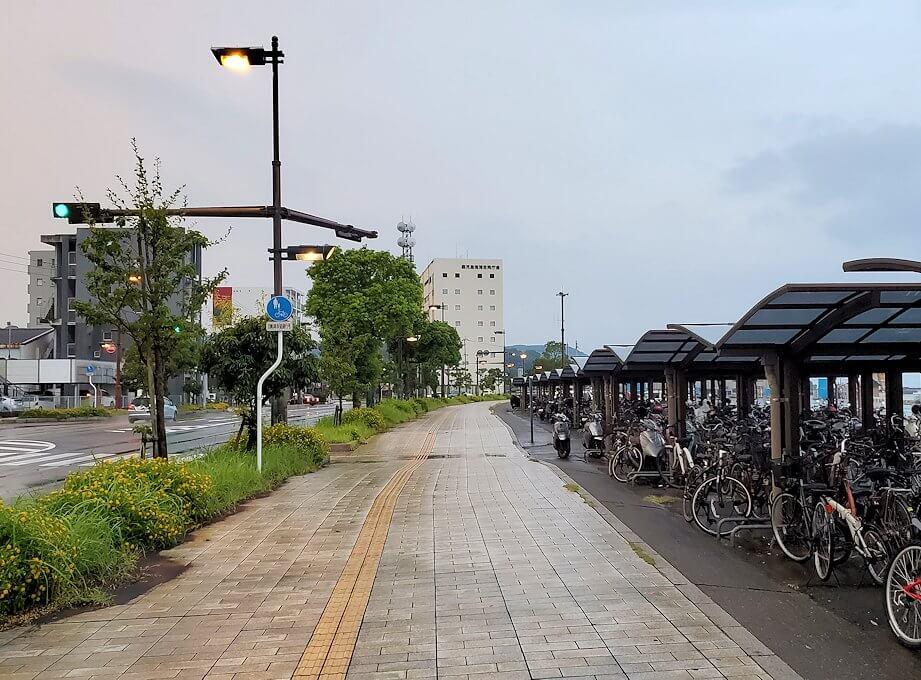 鹿児島港フェリーターミナルから雨が止んだので出る