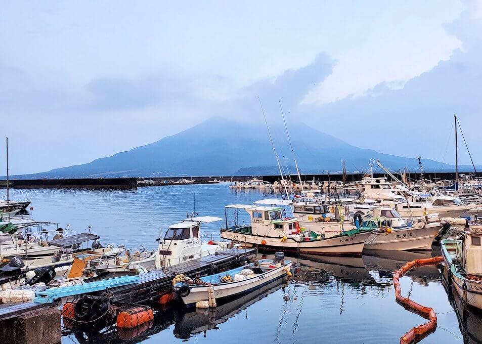 鹿児島市街側から眺める桜島