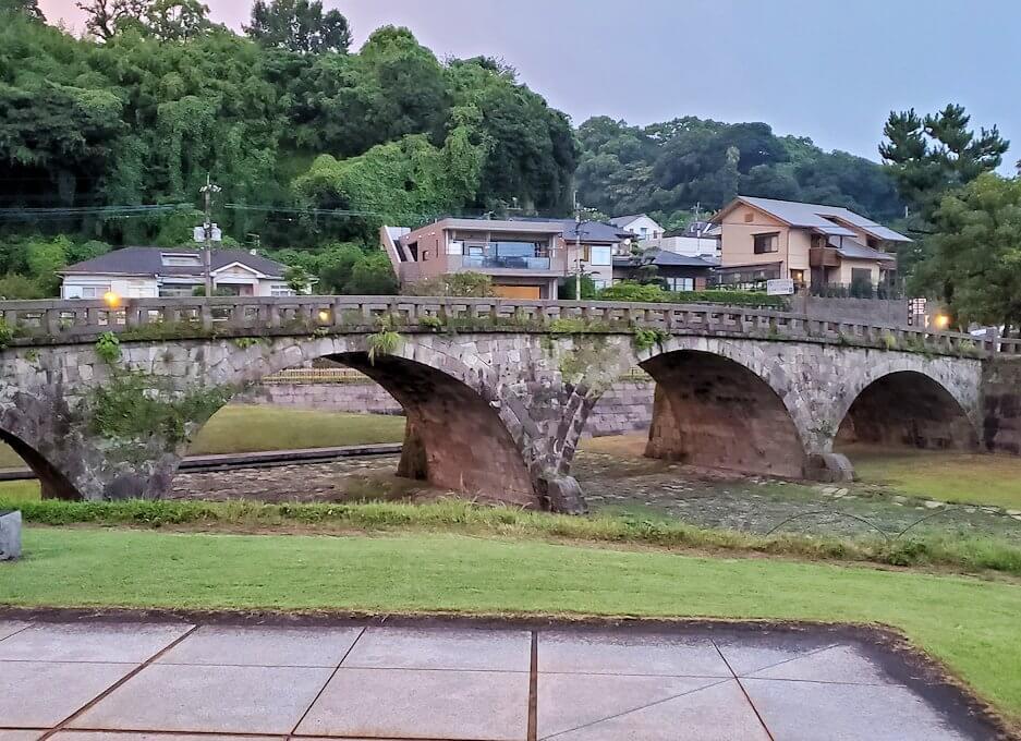 石橋記念公園に設置されている高麗橋