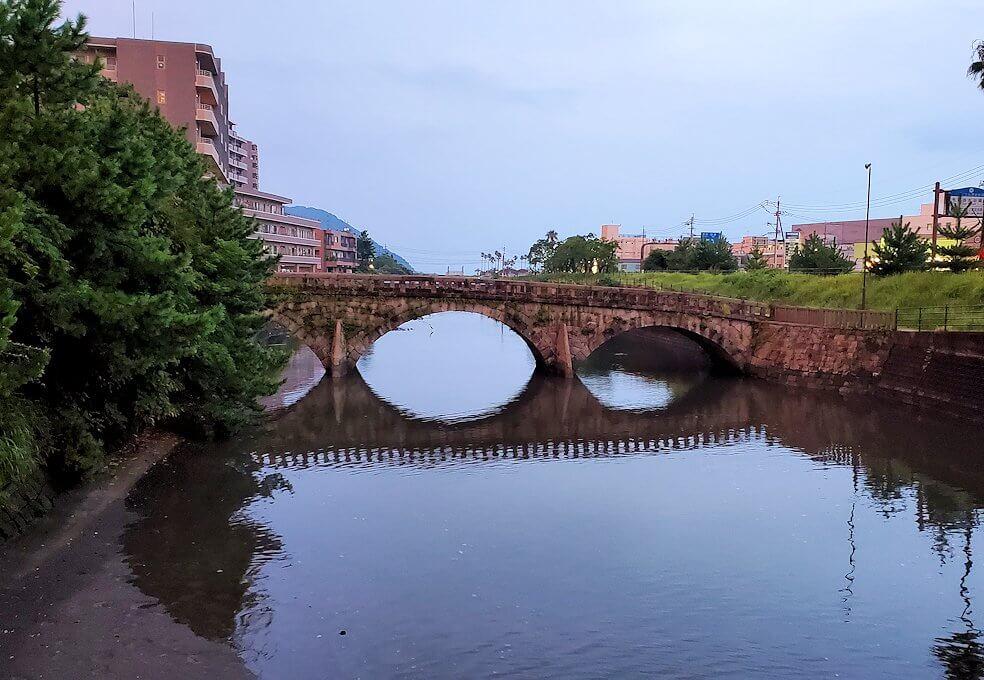 石橋記念公園内にある玉江橋