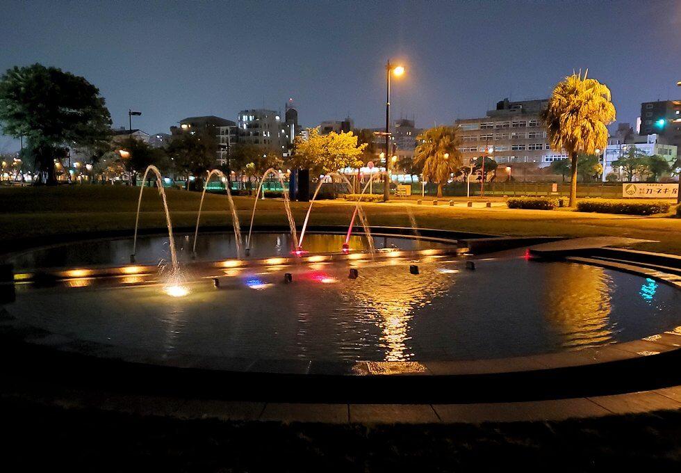 夜のウォーターフロント周辺の景観