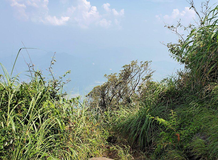 開聞岳9合目付近から見られる景観