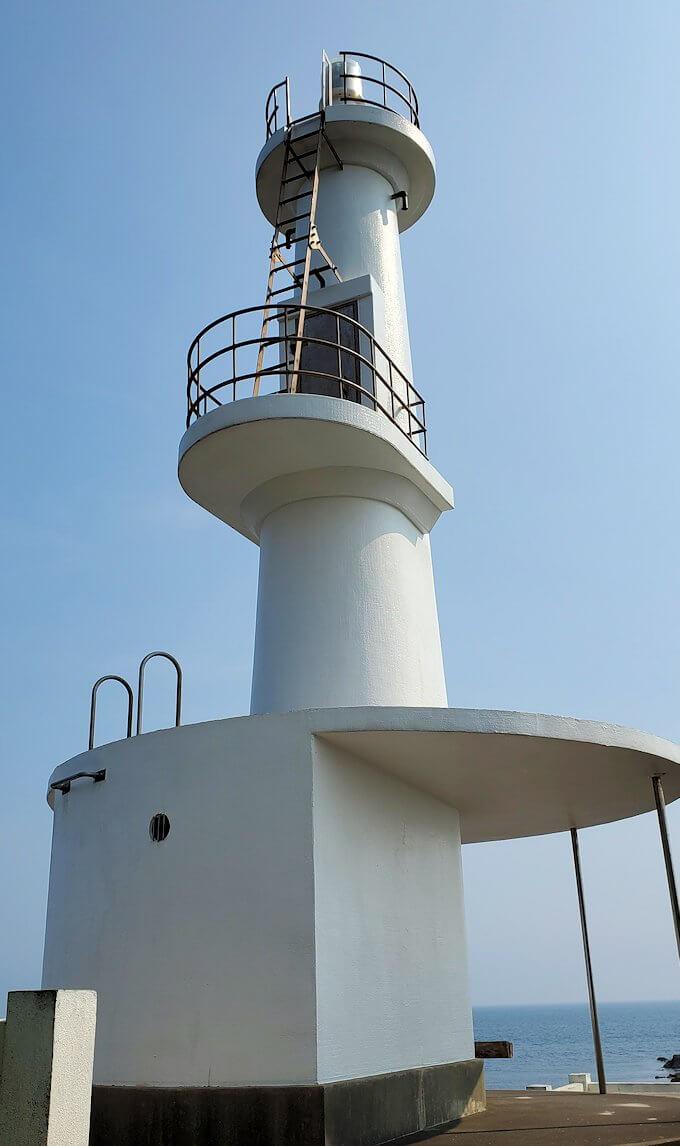 長崎鼻先端にある灯台1