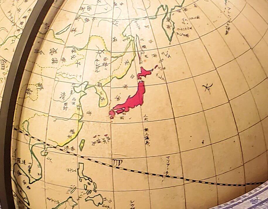 資料館にある斉彬が所持していた地球儀の複製1