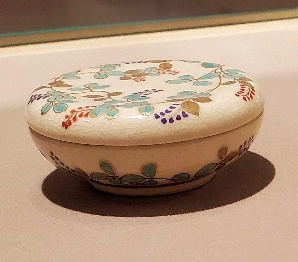 照国資料館にある、薩摩焼の作品2