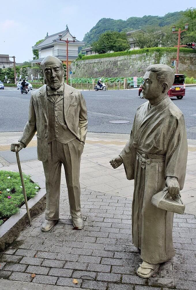 鹿児島城斜め向かいに設置されている、ウィリス医師の銅像