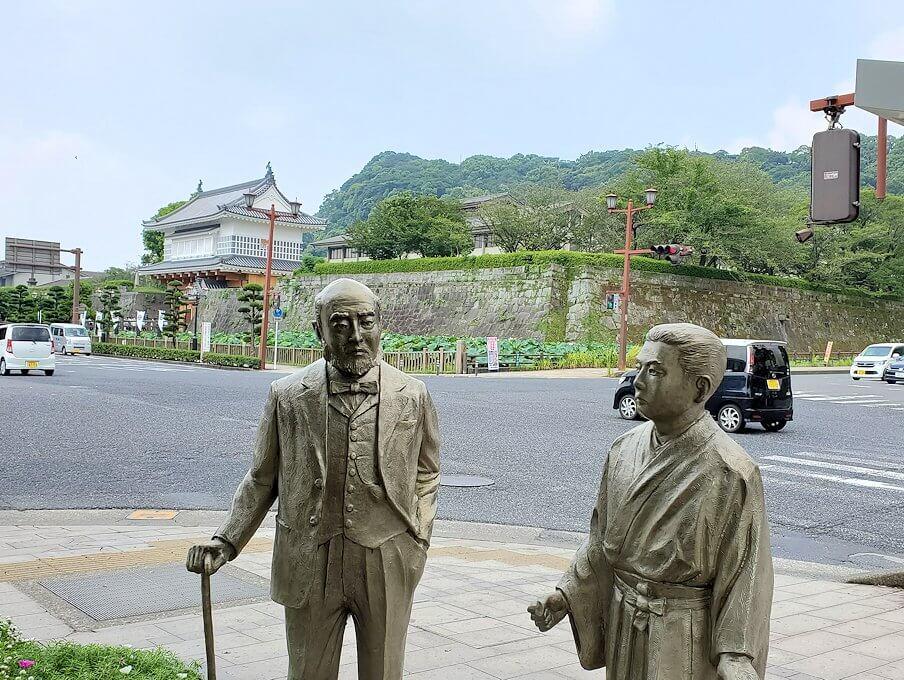 鹿児島城斜め向かいに設置されている、ウィリス医師の銅像3