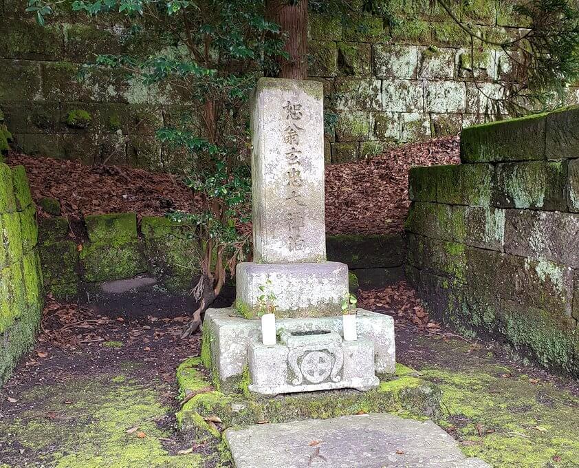 福昌寺内に安置されているお墓の景色3