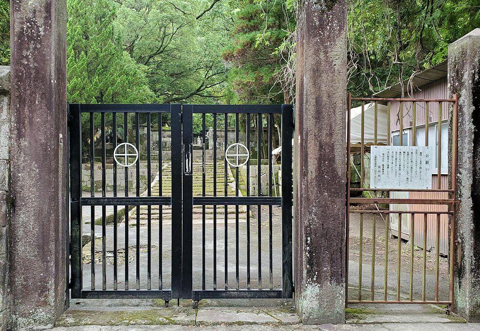 福昌寺跡の門前