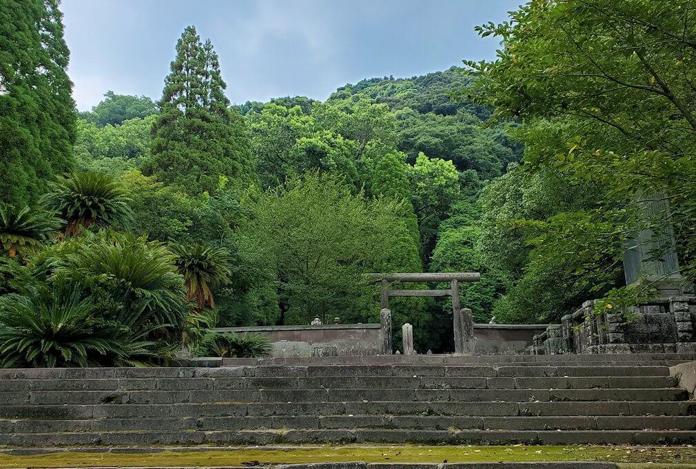 福昌寺跡の島津家お墓の景色