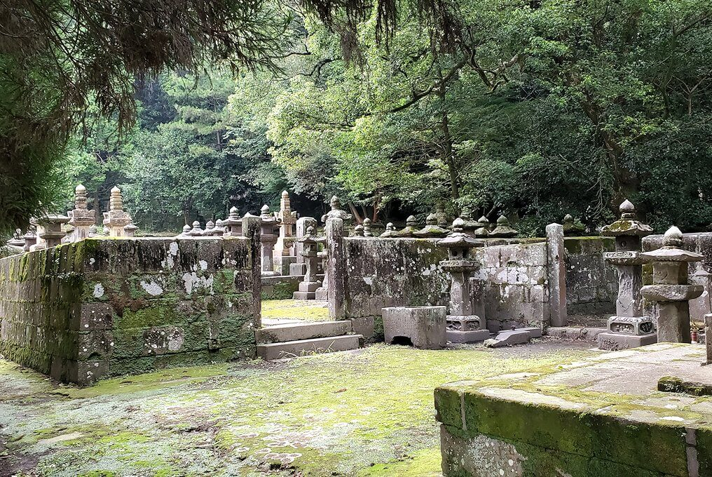 福昌寺跡の島津家お墓を見て回る