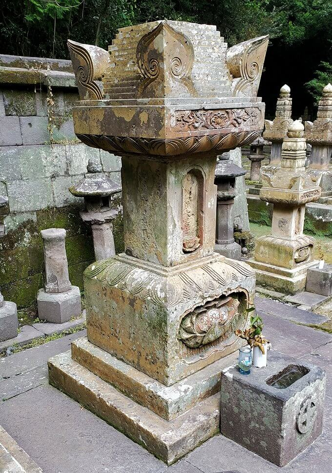 福昌寺跡で島津斉彬公のお墓を発見5