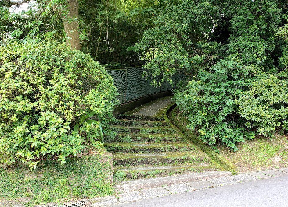 多賀城公園に向かう上り坂1