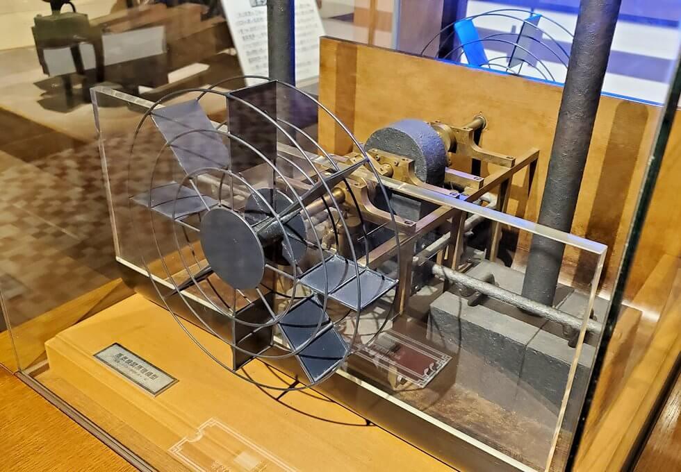 維新ふるさと館内にあった、蒸気機関の模型