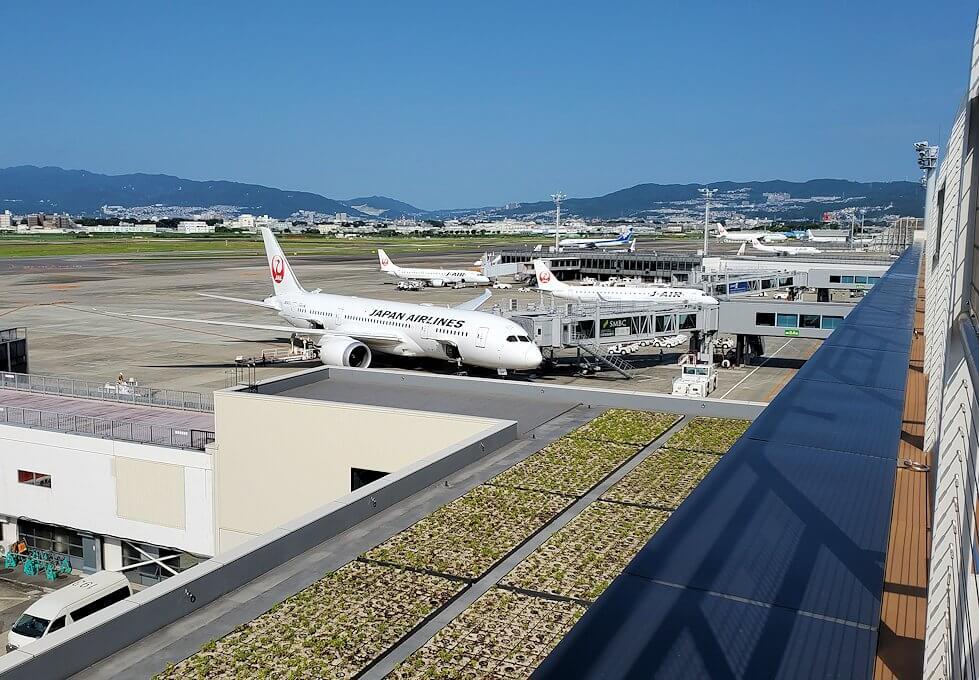 伊丹空港の展望台デッキからの景色