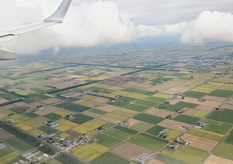 札幌へ向かう飛行機から見下ろす札幌周辺の土地