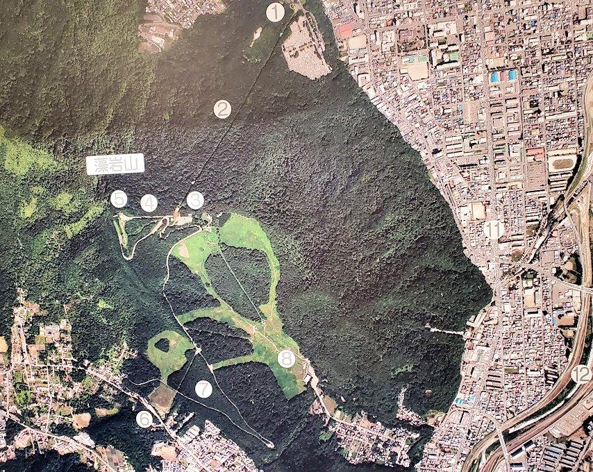 「藻岩山展望台」麓のロープウェイ乗り場にあった、札幌市内の地図