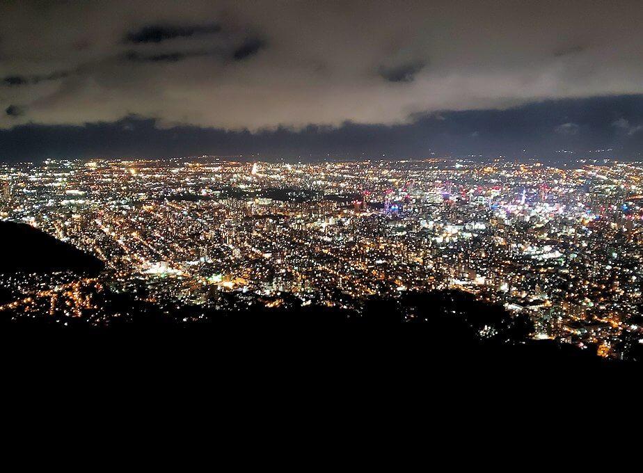 「藻岩山展望台」から眺める札幌の夜景1