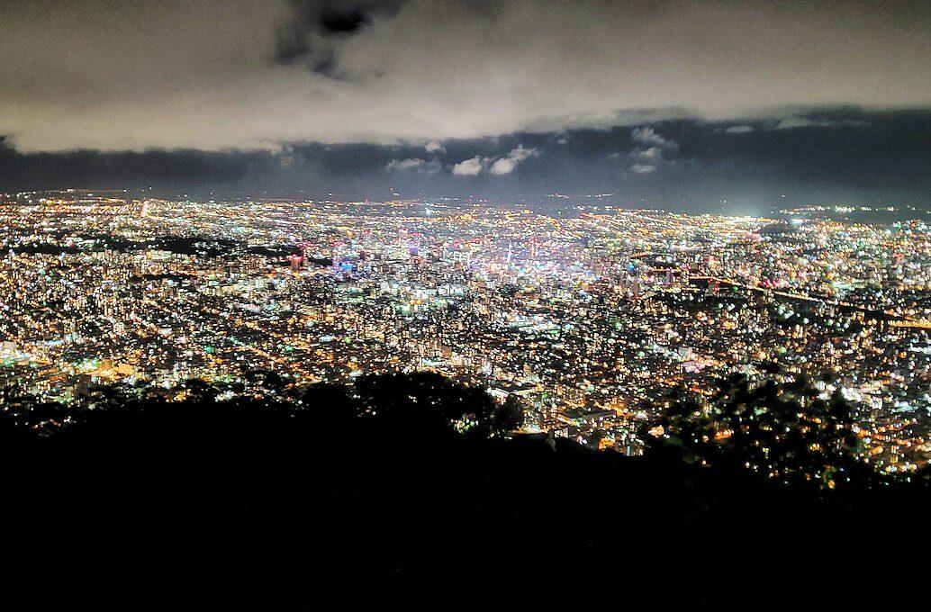 「藻岩山展望台」から眺める札幌の夜景2
