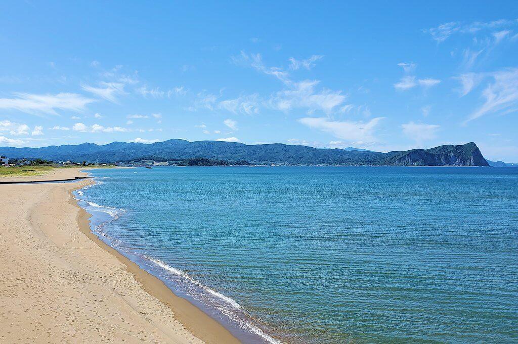 余市町から小樽へ向かう途中に見えた海岸の景色